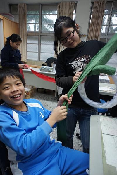 20111215耶誕節美勞花圈-20-1.jpg