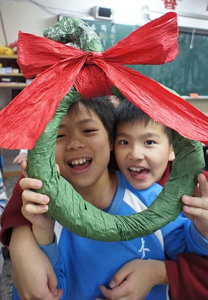 20111215耶誕節美勞花圈-24.jpg