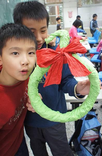 20111215耶誕節美勞花圈-27.jpg