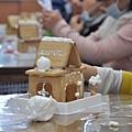 1061222薑餅屋製作10.jpg