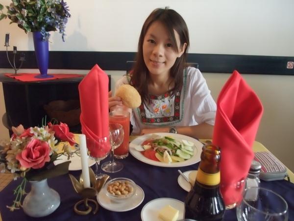 藍雞餐廳吃午餐.JPG
