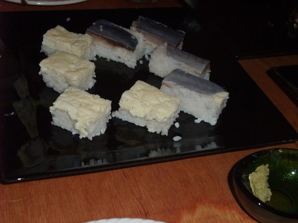 難得一見的生魚片壽司.JPG