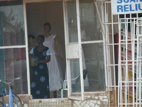 非洲也有白紗店.JPG