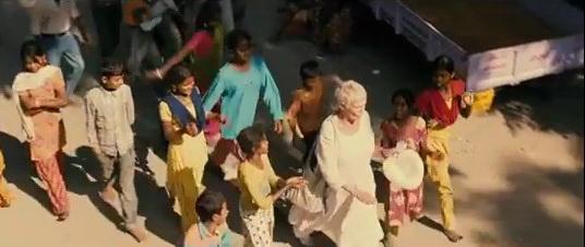 成群索討的印度小孩