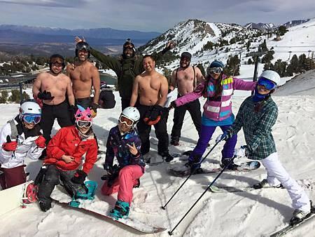 Ski vs Snowboard.jpg