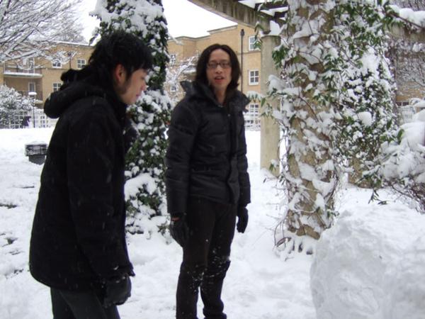 準備開始堆雪人
