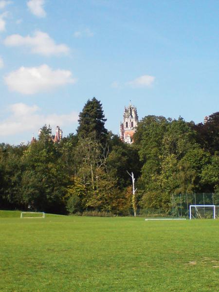 足球場窺視城堡