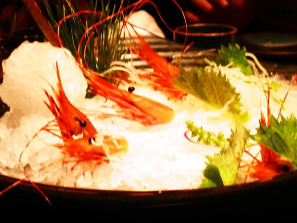 生魚片和蝦