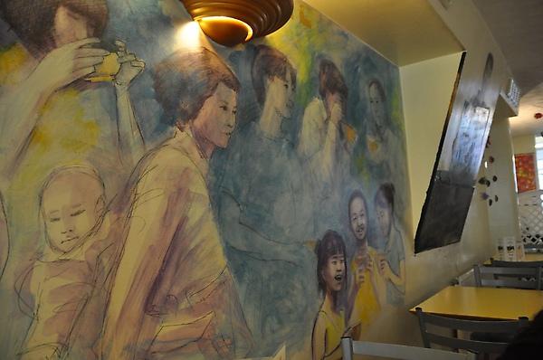 這是餐廳的壁畫,挺不錯