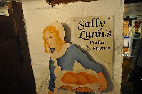 吹完玻璃之後再度前往sally lunn's!