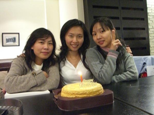 三個壽星、一根蠟燭