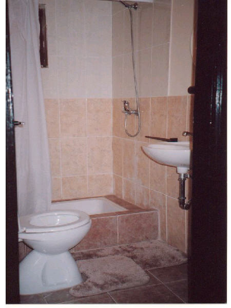 bathroom_new1.jpg