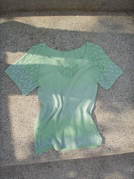 領口往下織的拉克蘭上衣-條紋配色