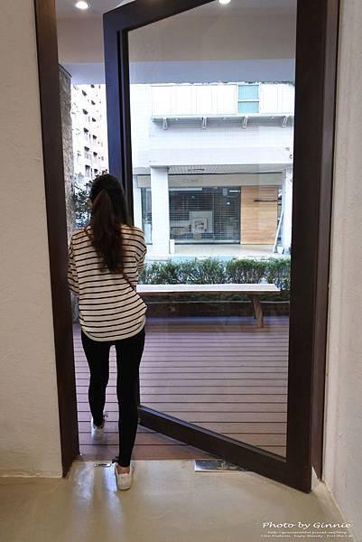 吃茶三千 台中 大英概念店 一樓陽台