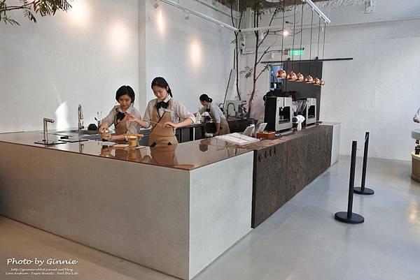 吃茶三千 台中 大英概念店 吧台區