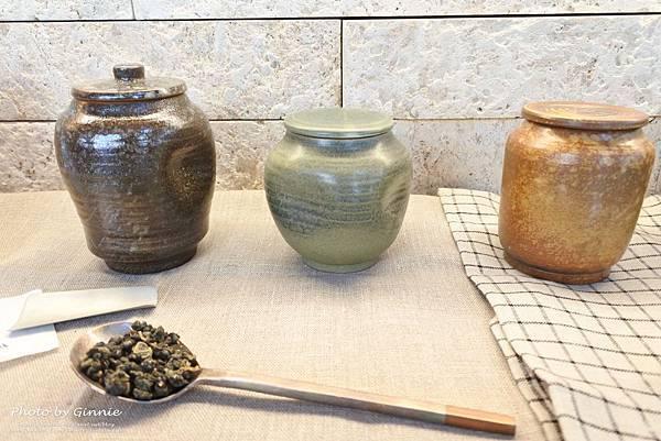 吃茶三千 台中 大英概念店 手工茶罐