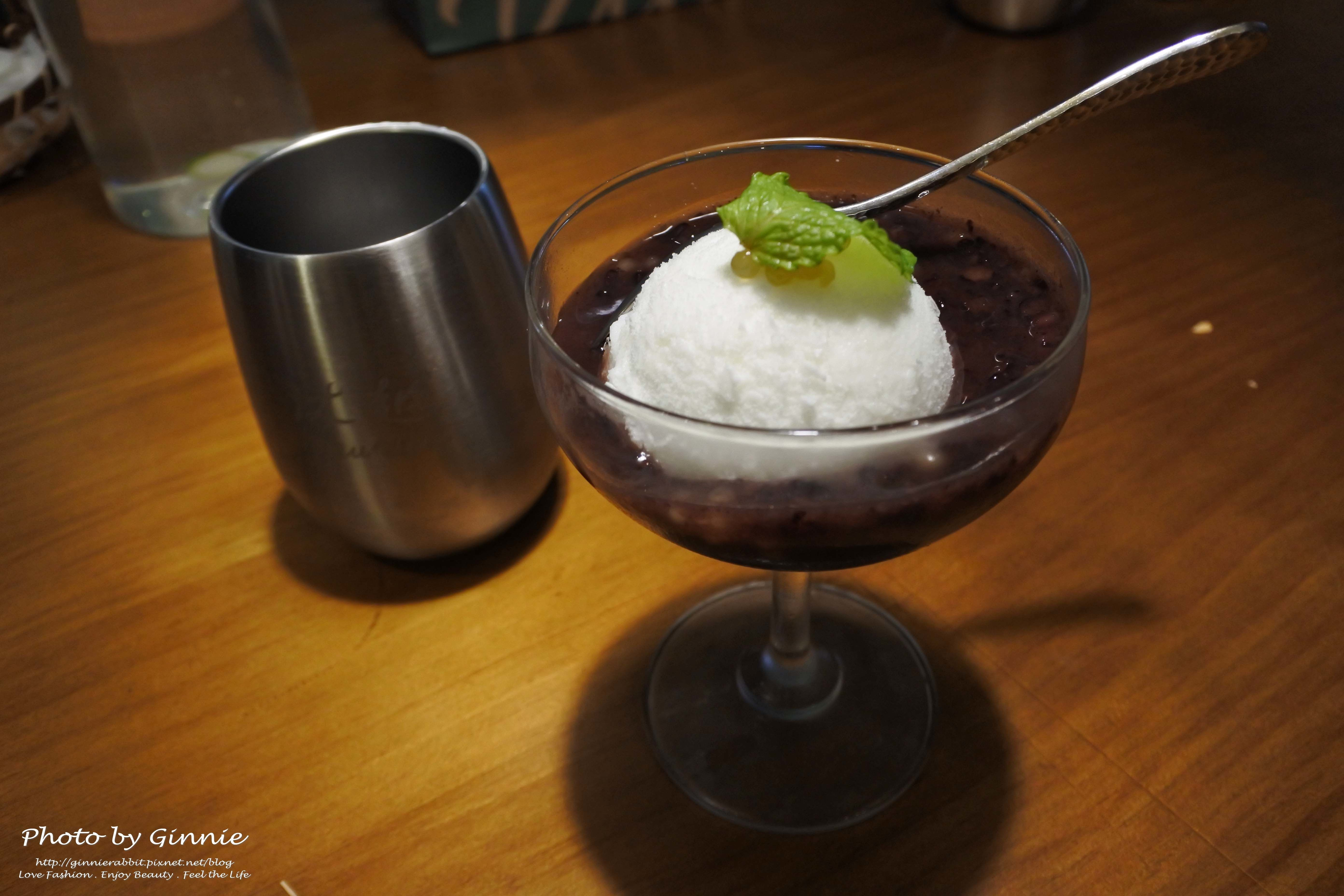 沐越 台中公益店 椰子雪酪佐紅豆紫米