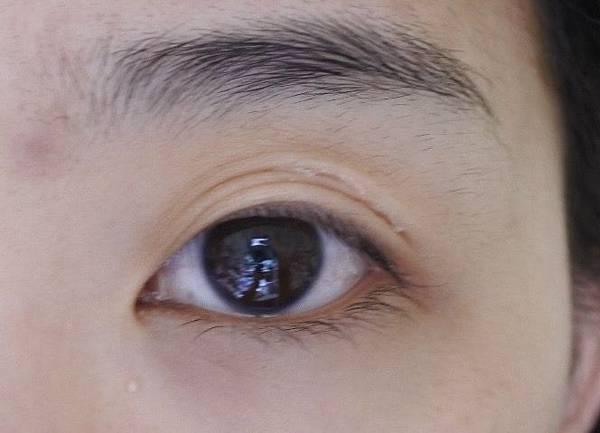 Night Eye Beaute 夜用雙眼皮養成膠水