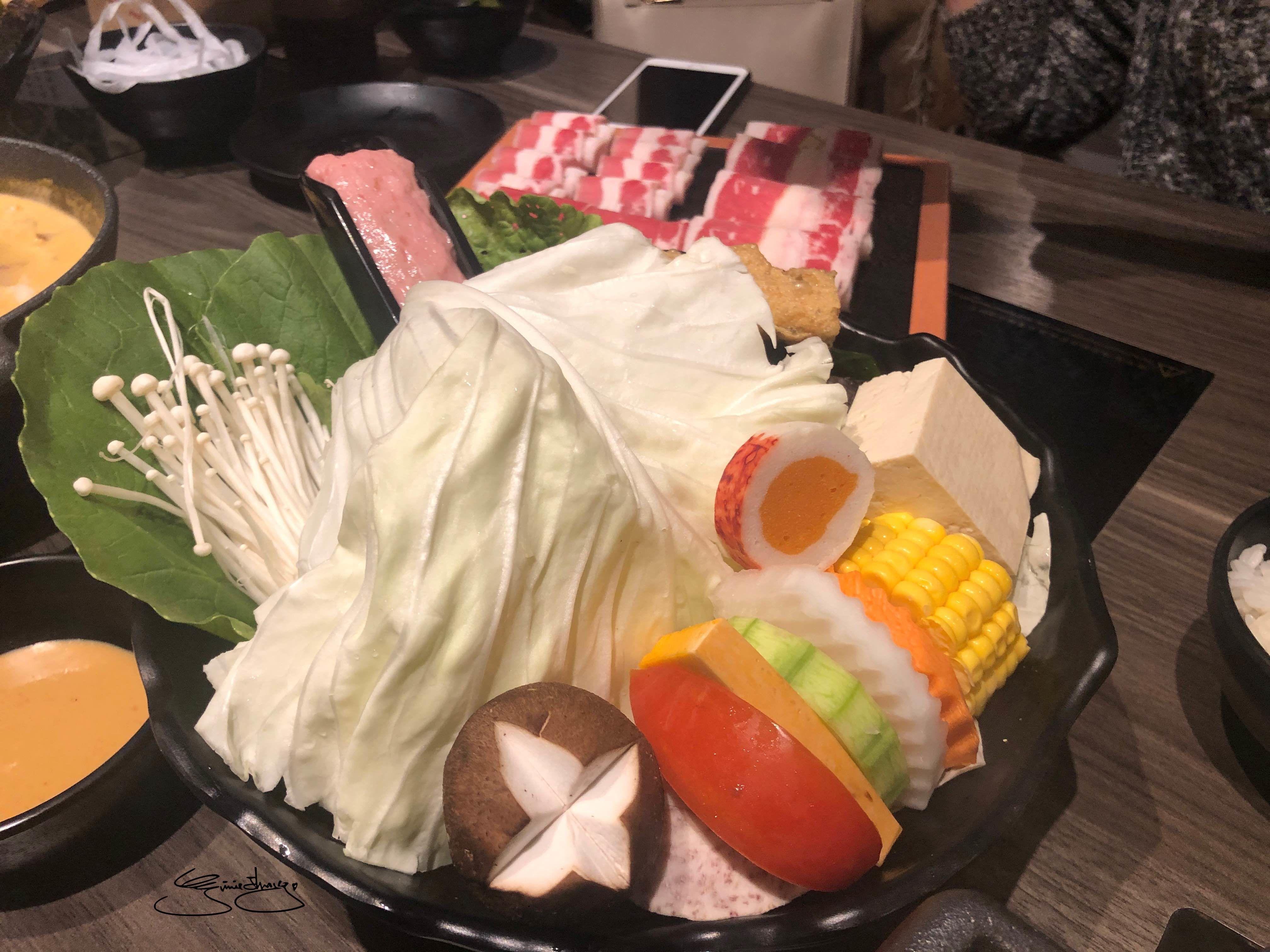 隱鍋台中公益店 菜盤
