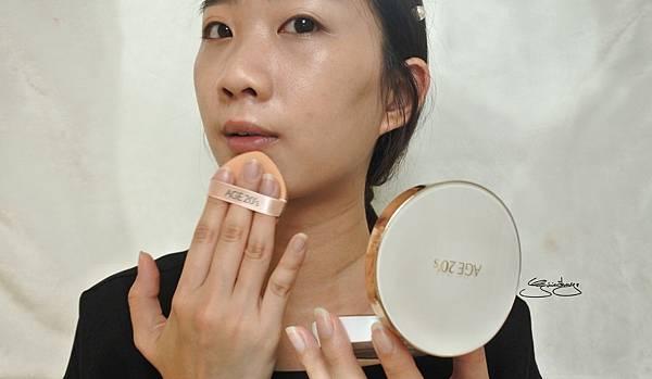 AGE20's 瓷透肌聚焦爆水粉餅 使用