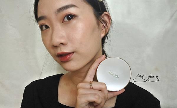 AGE20's 瓷透肌聚焦爆水粉餅 完妝