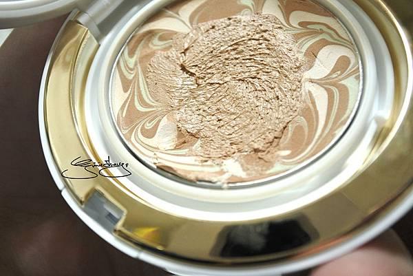 AGE20%5Cs 瓷透肌聚焦爆水粉餅