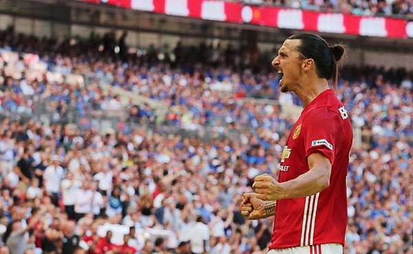 Ibra community shield winner.jpg