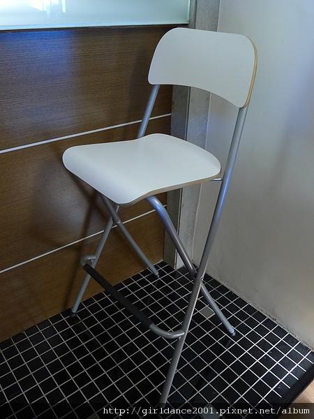 IKEA全新高腳椅(共有四張)