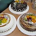 三個大蛋糕