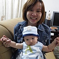 妹妹7月中從香港買新衣服給兒子
