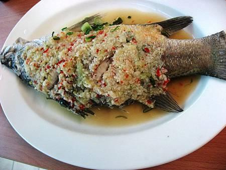 L5   (11)蒜泥蒸魚.JPG