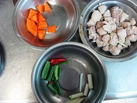 L11 (4)紅燒肉塊.JPG