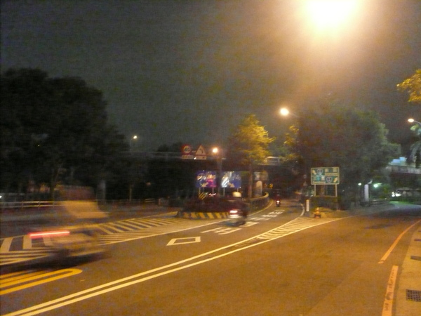 左邊上重新橋往新莊 右邊往三重市區 和台一甲共線