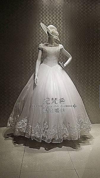 高雄自助婚紗禮服-出租推薦分享-卡肩式白紗