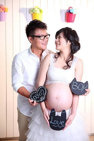 高雄孕婦寫真照推薦-氣質可愛媽咪