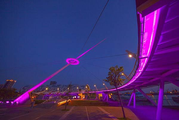 高雄自助婚紗夜景點推薦:新光碼頭