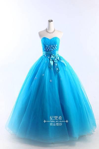 屏東婚紗租借-的首選擁有1000件以上的白紗禮服可單租訂製