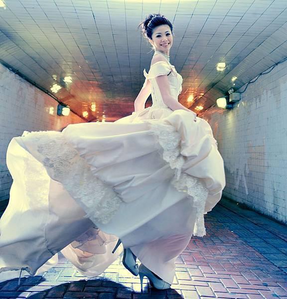 高雄婚紗禮服-推薦白紗.晚禮服和伴娘服.花童服.媽媽服和男仕西服出租