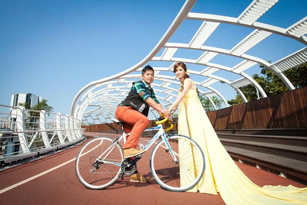 運動自助婚紗風格:腳踏車類場地推薦:凱旋自行車步道,美術館