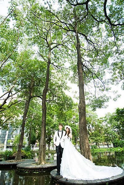 綠樹森林山水自然清新:高雄婚紗攝影風格推薦