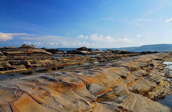 佳樂水屬珊瑚礁與砂岩海岸.JPG