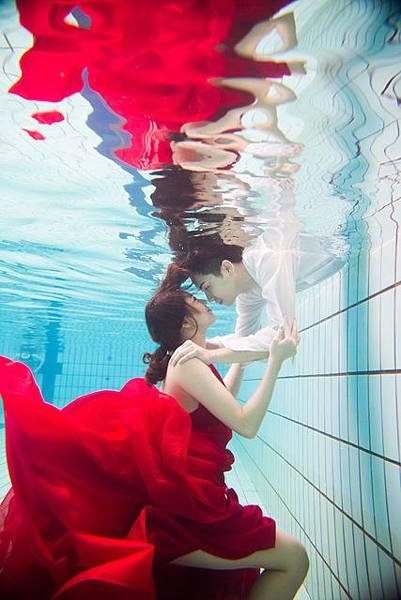 空拍婚紗、水中婚紗、漂浮婚紗