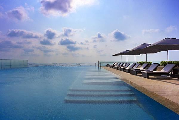 The Westin Singapore - Infinity Pool.jpg