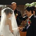 換新娘替新郎戴戒指