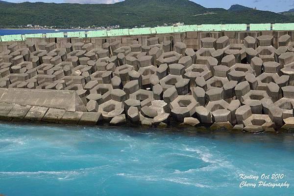 後壁湖的核三場出水口-1.jpg