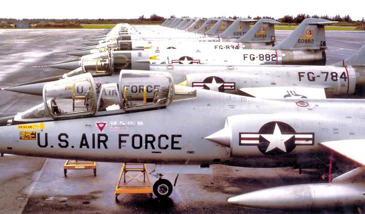 331F-Interceptor_Sq_1964-4260 56-0882.jpg