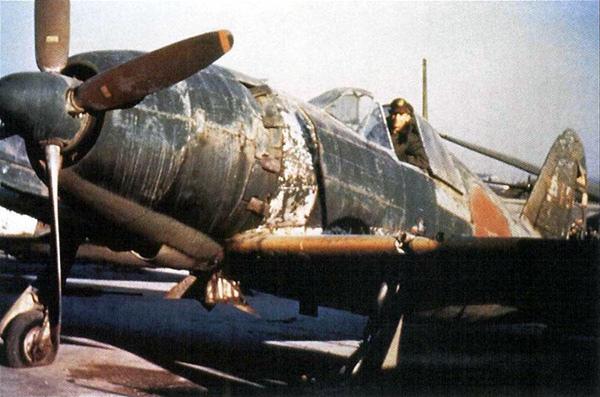 1945-9上海龍華-雷電33中191A.jpg