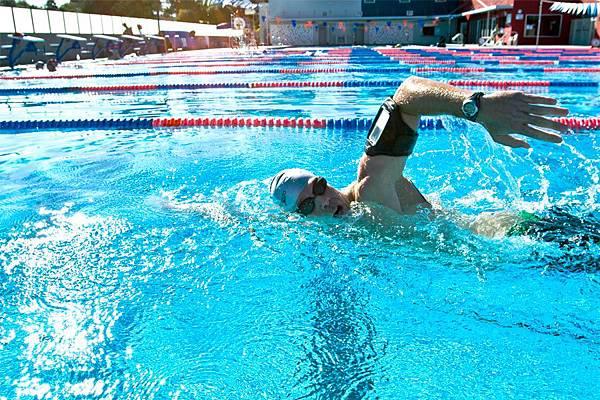 WaterproofArmbands_WA1_swimmer.jpg