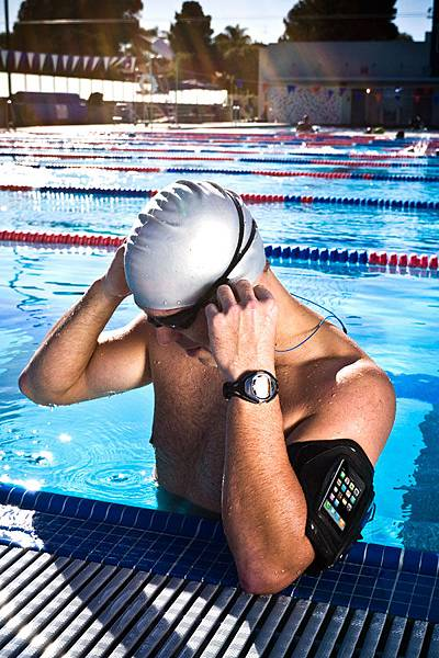 WaterproofArmbands_WA1_swimmer3.jpg