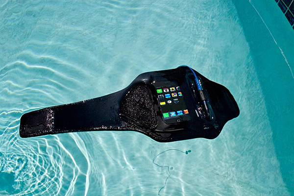 WaterproofArmbands_WA1float.jpg